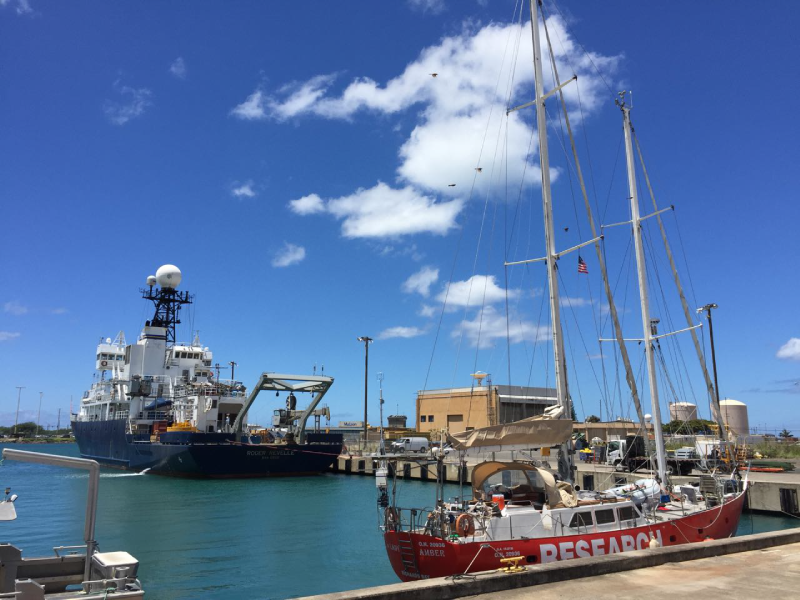 The Lady Amber and R/V Revelle in Honolulu